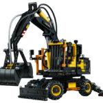 LEGO Technic builds air-powered mini wheeled excavator