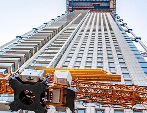 Liebherr fast-erecting crane 34K on the tallest building in the Benelux