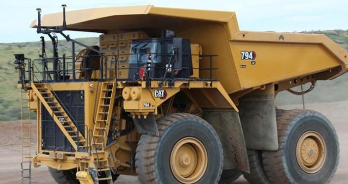 Autonomous Cat® 794 AC mining truck makes its MINExpo debut