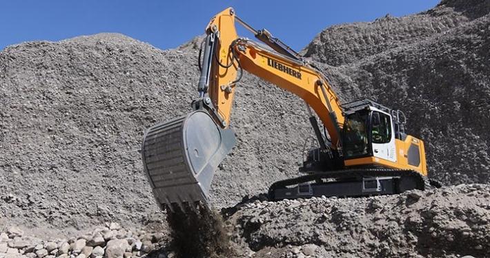 SAB purchases Liebherr wheel loaders and crawler excavator