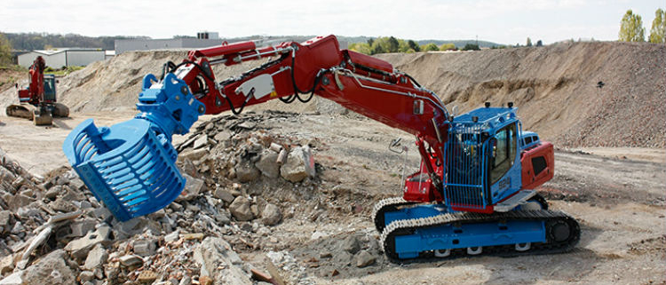 New Liebherr R 924 crawler excavator at TP-Bruetschy: bespoke configuration for diverse applications