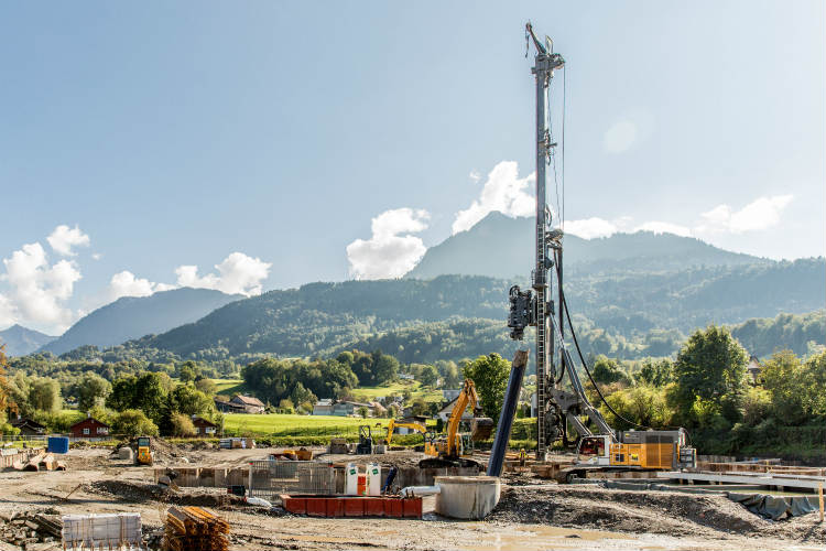 Liebherr Piling and Drilling Rig LRB 355 Carries Out Sheet Piling Work in Western Austria