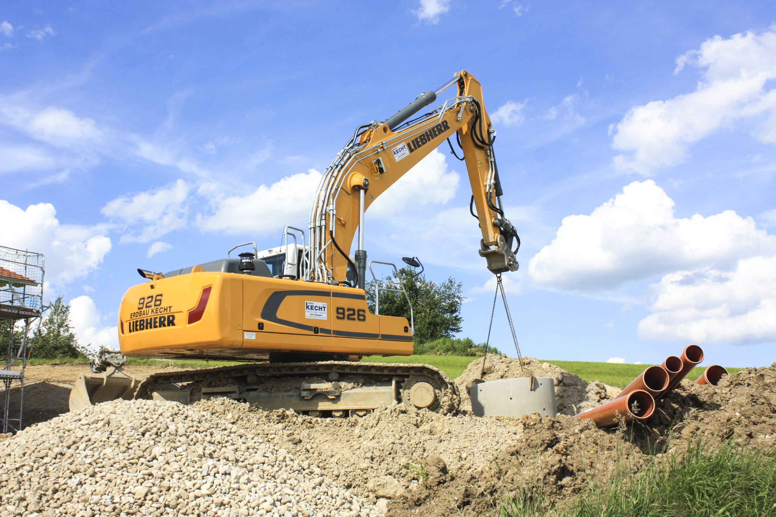 Global première for the new Liebherr R 926 crawler excavator in Bavaria