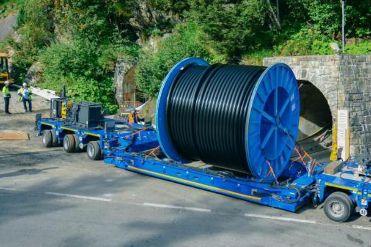 Wassermann Gruppe successful with SCHEUERLE InterCombi cable drum transporter
