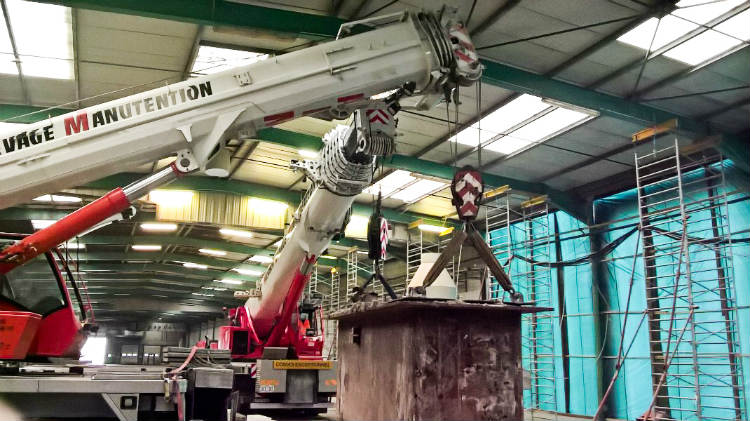 ALM completes challenging indoor tandem lift with Groves