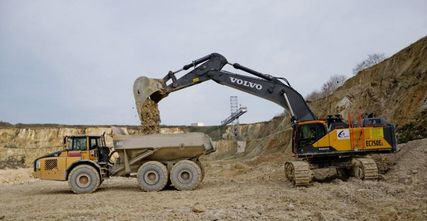 Volvo EC750E crawler excavator makes Eastern European debut