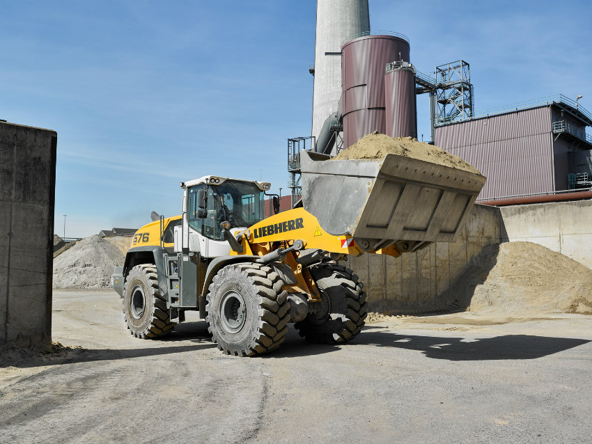 New Liebherr L 576 XPower wheel loader joins the fleet of recycling specialist Hans Dömkes GmbH