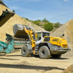 Two Liebherr L 580 XPower wheel loaders expand the fleet of the Willy Dohmen Group