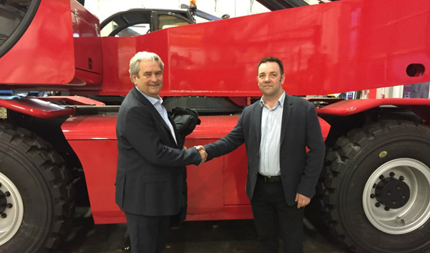 Magni Telescopic Handlers UK Ltd appoint first dealer: Hodge Plant Ltd