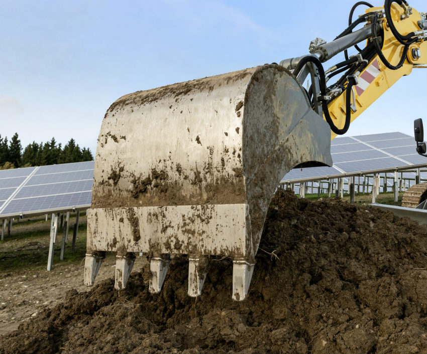 Quick coupler systems and attachments from Liebherr