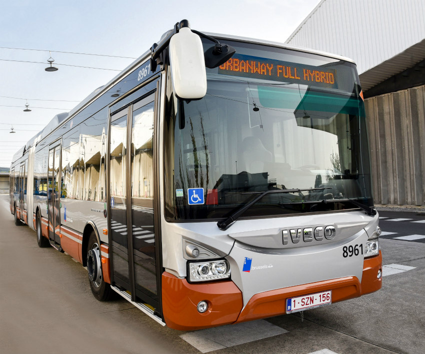 Brussels chooses IVECO BUS with an order of 141 articulated 18-metre hybrid electric buses