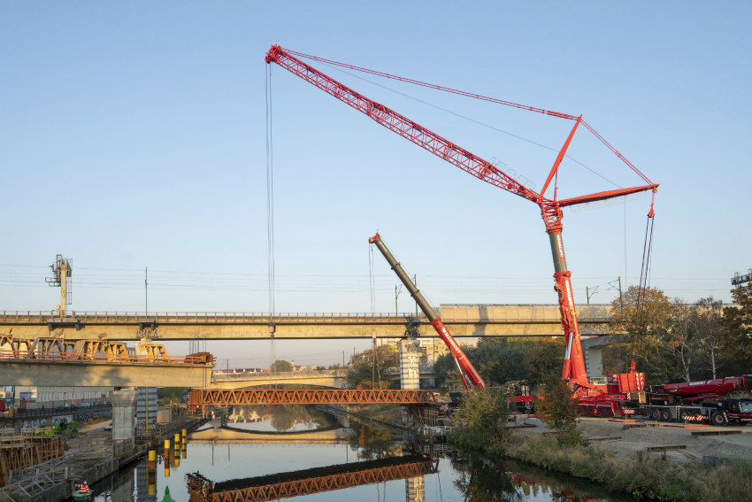 Liebherr cranes make expensive floating crane use superfluous