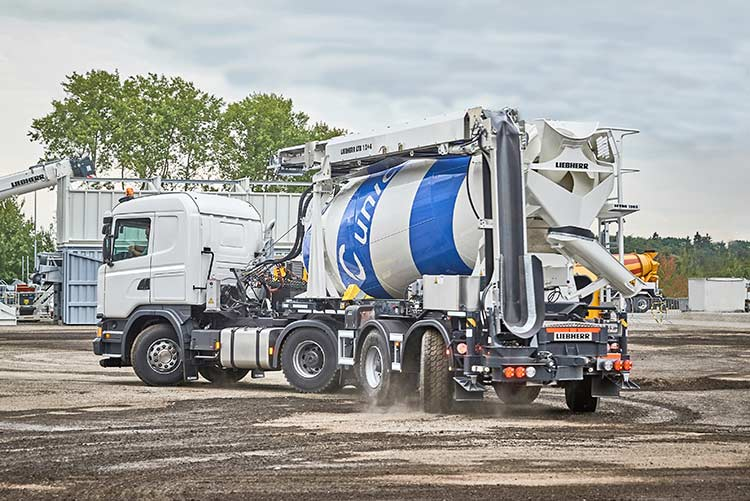 Innovative truck mixer as a semitrailer from Liebherr