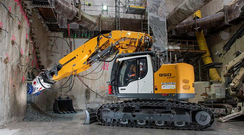 A Liebherr R 950 Tunnel crawler excavator in the Grand Paris Express
