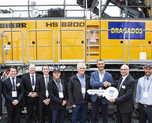 Handover at Conexpo: Liebherr crawler crane HS 8200 to Dragados USA