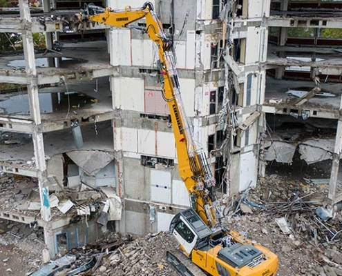 A new Liebherr crawler excavator: R 940 Demolition