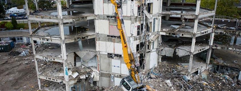 A new Liebherr crawler excavator: R 940 Demolition