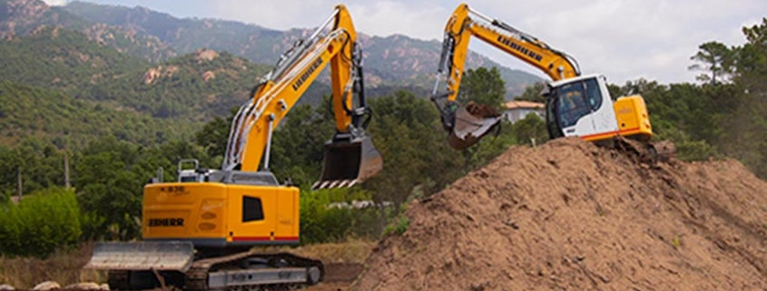 The first Liebherr R936 Compact crawler excavator on Corsica